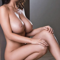 bostanci-iri-goguslu-escort-beril-653395